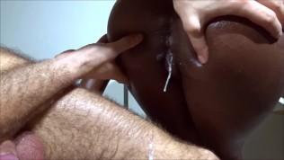 OILY BUBBLE BUTT – sexy ebony babe twerking on cock